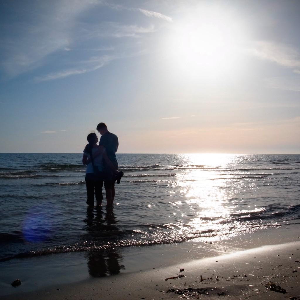 Unsere Freunde beim romantischen Sonnenuntergang an der Tyrrhenischen Küste
