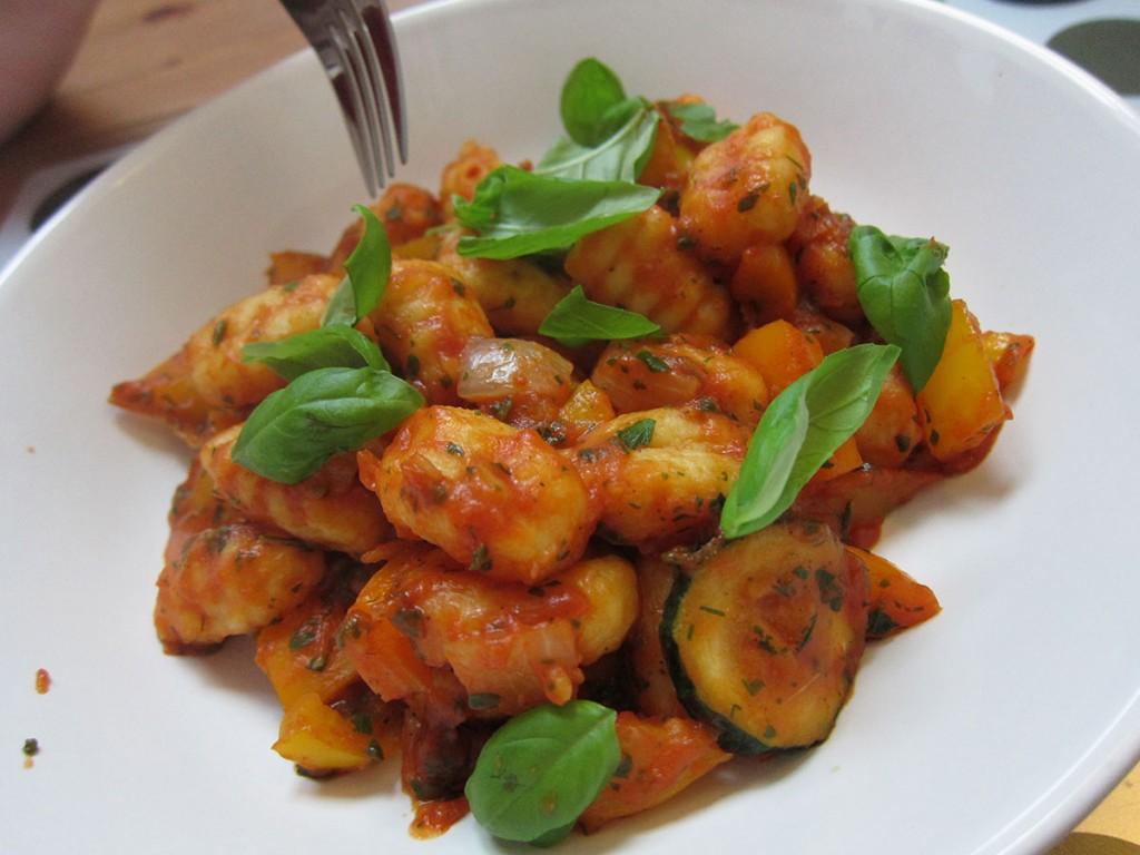 Gemüsepfanne mit Gnocchi a la Karenzpapi