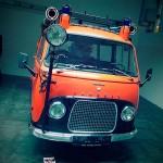 Feuerwehrauto mit traurigem Blick