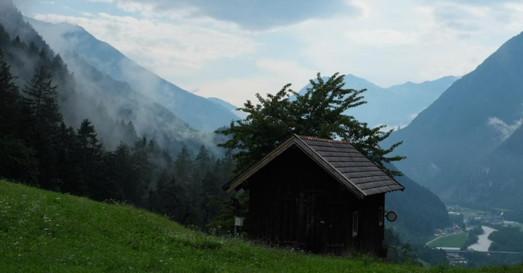 Der Blick von der Kronburg ins Inntal
